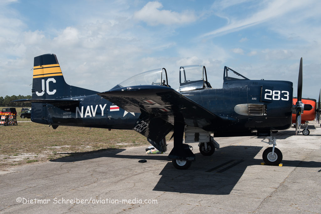 2016-03-11 N828JC North American T28 Trojan