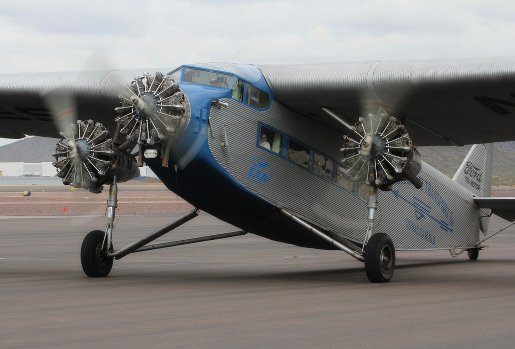 Flying In Style In Eaa S Ford Tri Motor Classic Warbirds