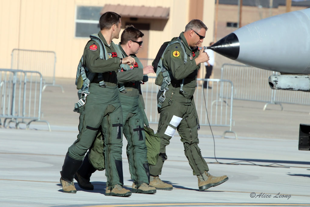 82nd_ATRS_Elvis_QF-16_Pilots_9015